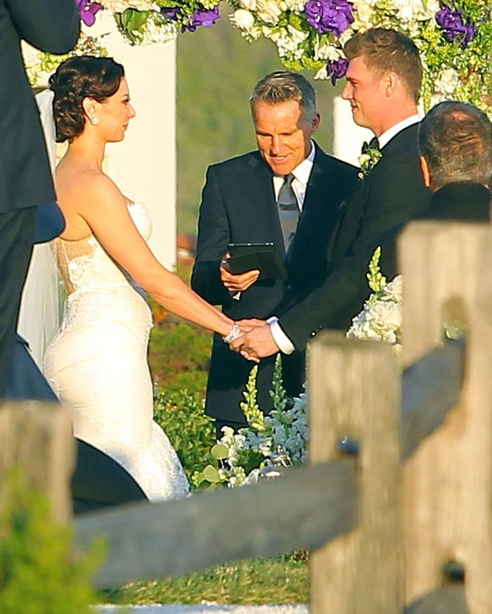 Ник Картер и Лорен Китт у свадебного алтаря 12 апреля 2014 года (фото)