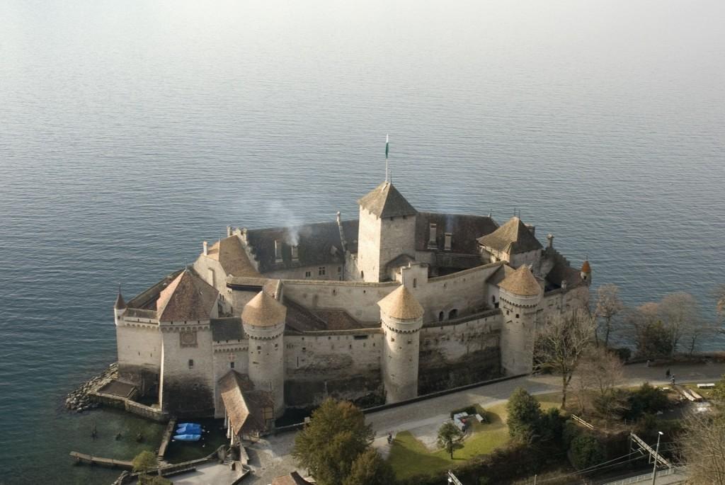 Шильонский замок: Швейцария. Пыточная ведьм и колдунов фото