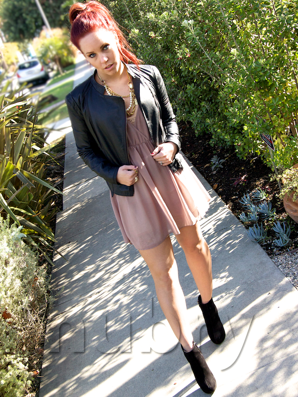 4-stylish-Ways-To-Wear-Black-Ankle-Boots-This-Spring-1-2