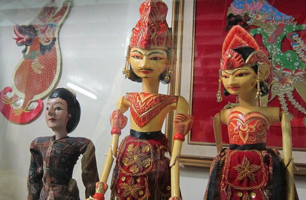 Wayang-Kulit-Indonesia-3