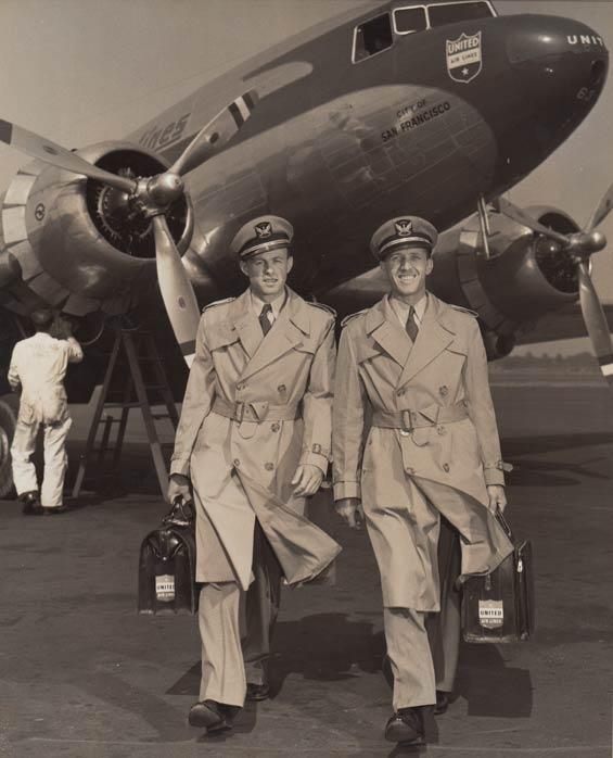1940s_trenchcoatad