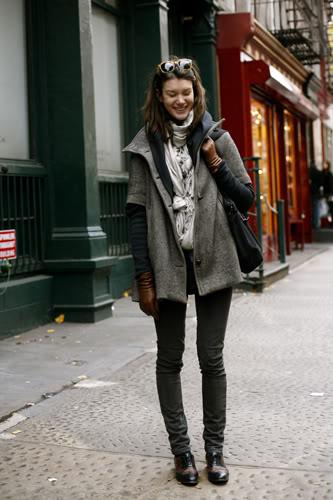 укороченное серое пальто фото с чем сочетать джеггинсы оксфорды женские
