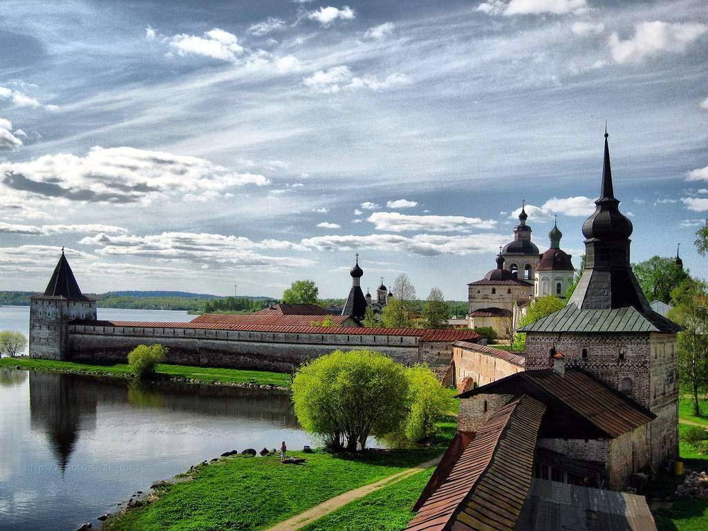 Ансамбль Кирилло-Белозерского монастыря фото