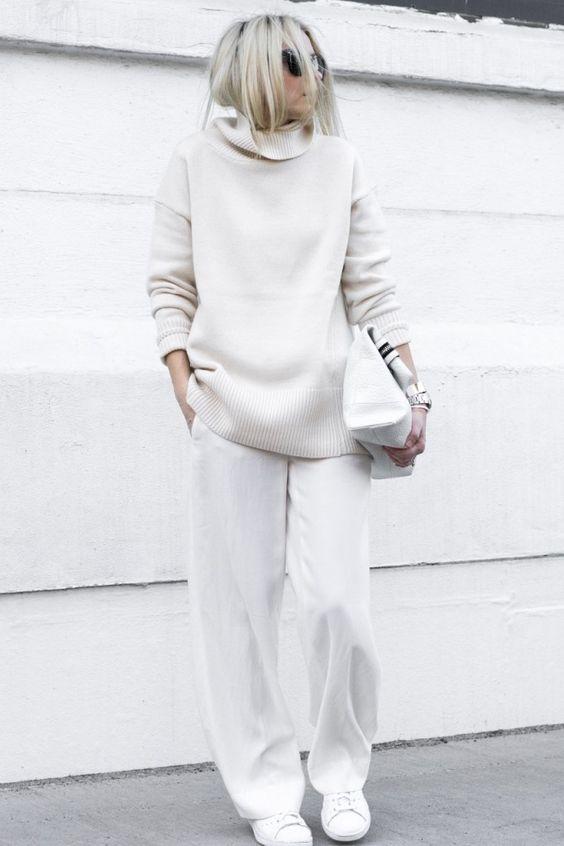 белая рубашка и белый свитер фото