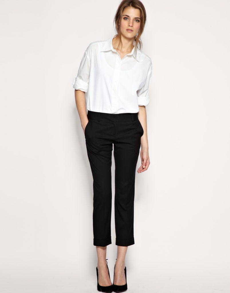 белая рубашка с брюками лук для офиса фото